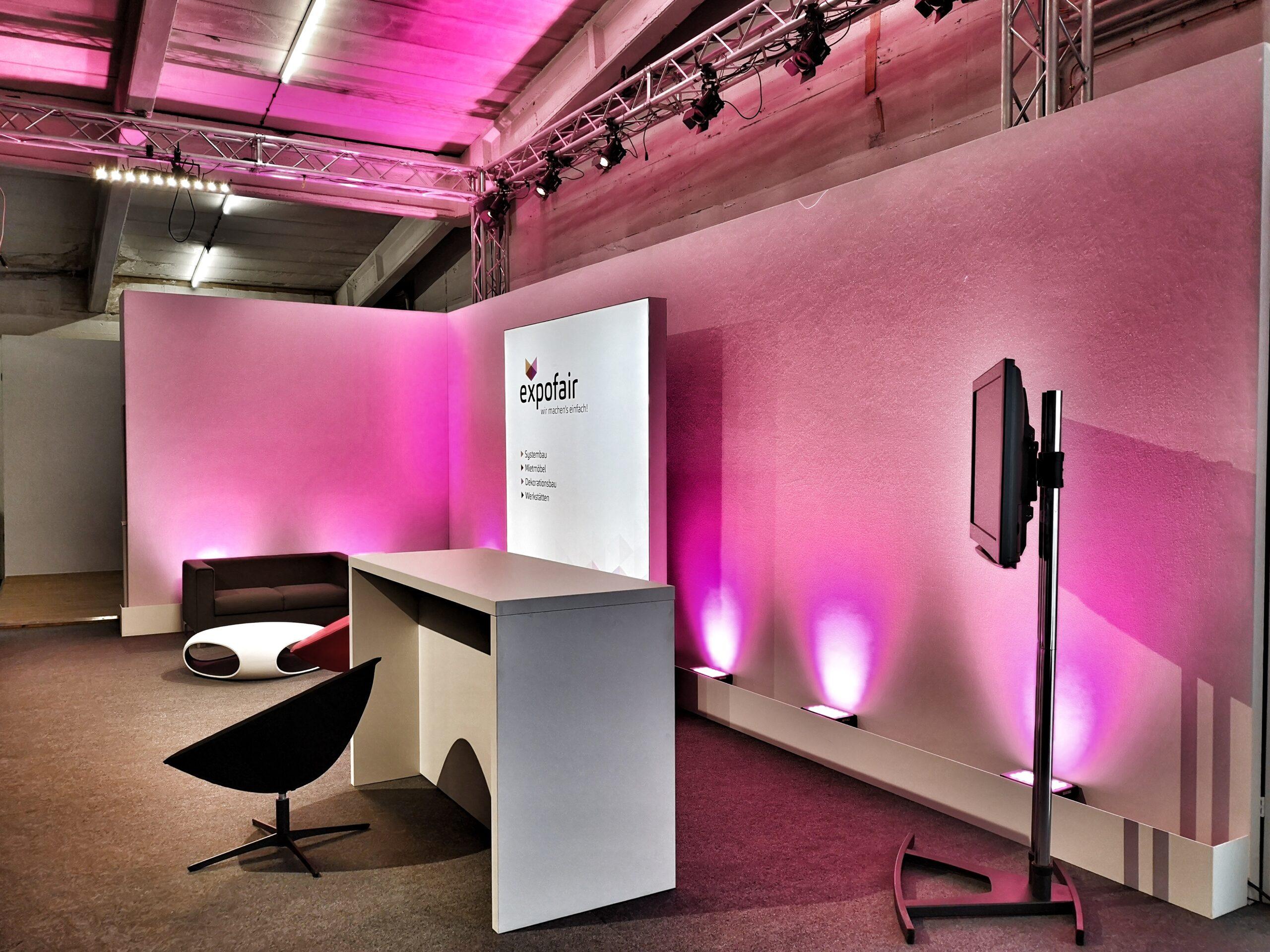 Digitales Studio Berlin mit Bühnenbau nach Maß_ expofair