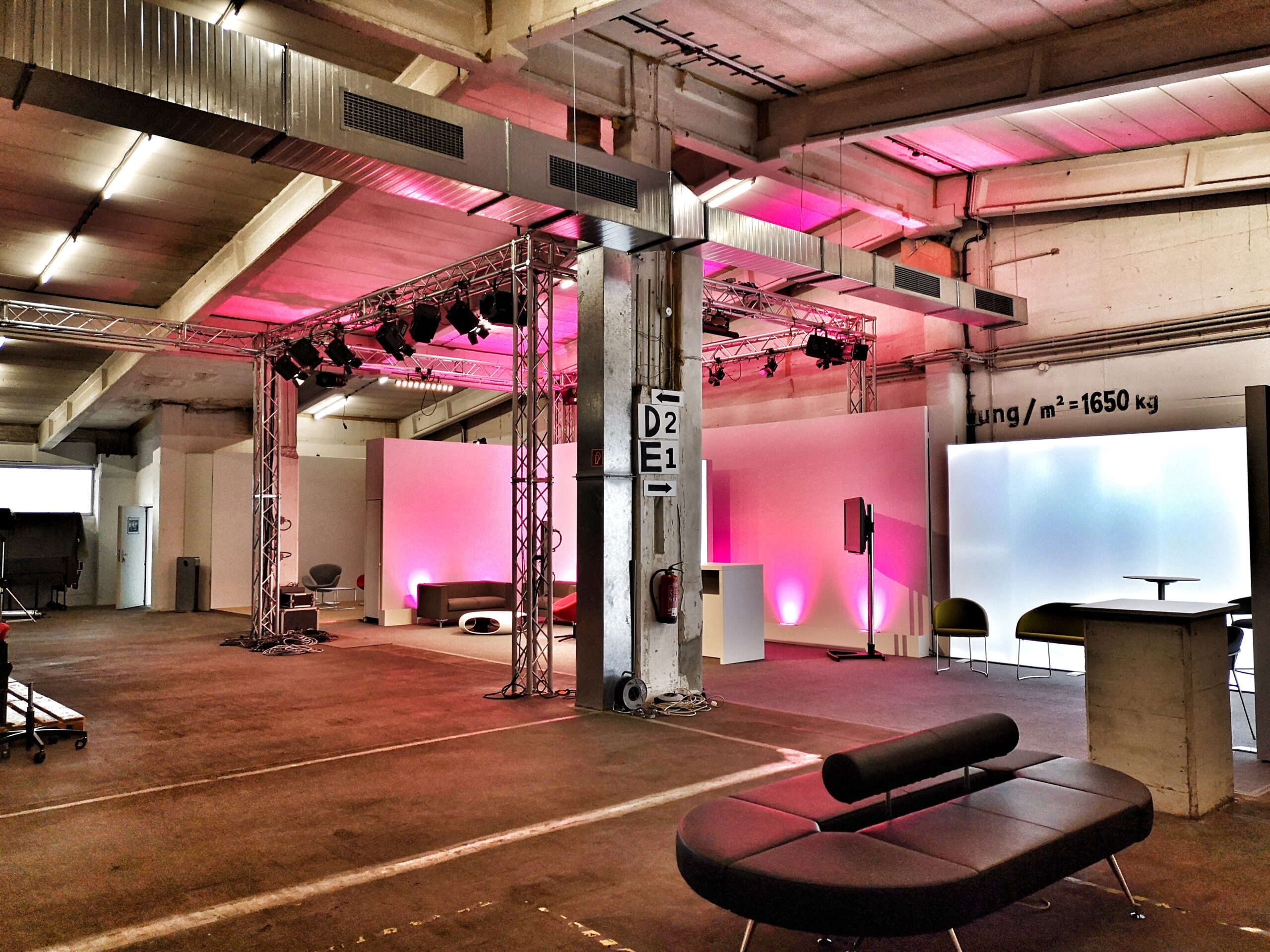 Digitales Studio Berlin komplett individualisierbar_ expofair